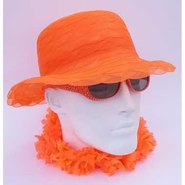 Oranje dameshoed van organza stof