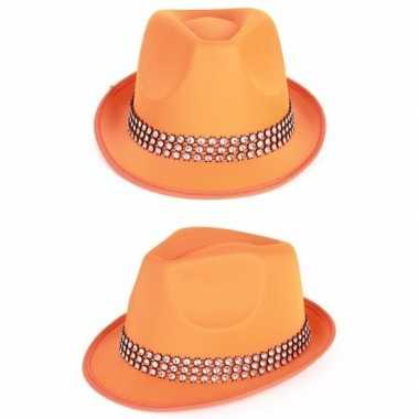 Oranje hoed met zilveren steentjes