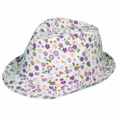 Paarse tribly hoed met bloemen