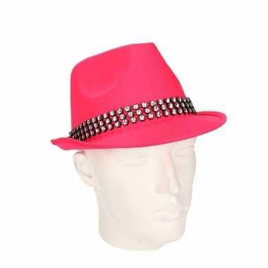 Roze hoed zilveren steentjes